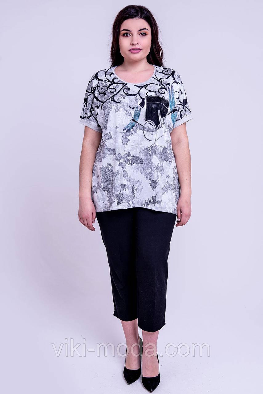 Стильная женская футболка большого размера Селина, свободного кроя. Серого цвета.