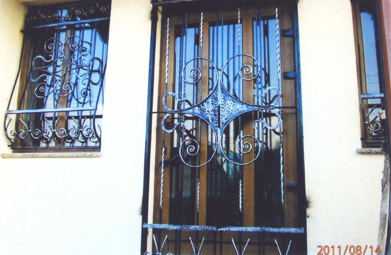 Решетки на двери и окна