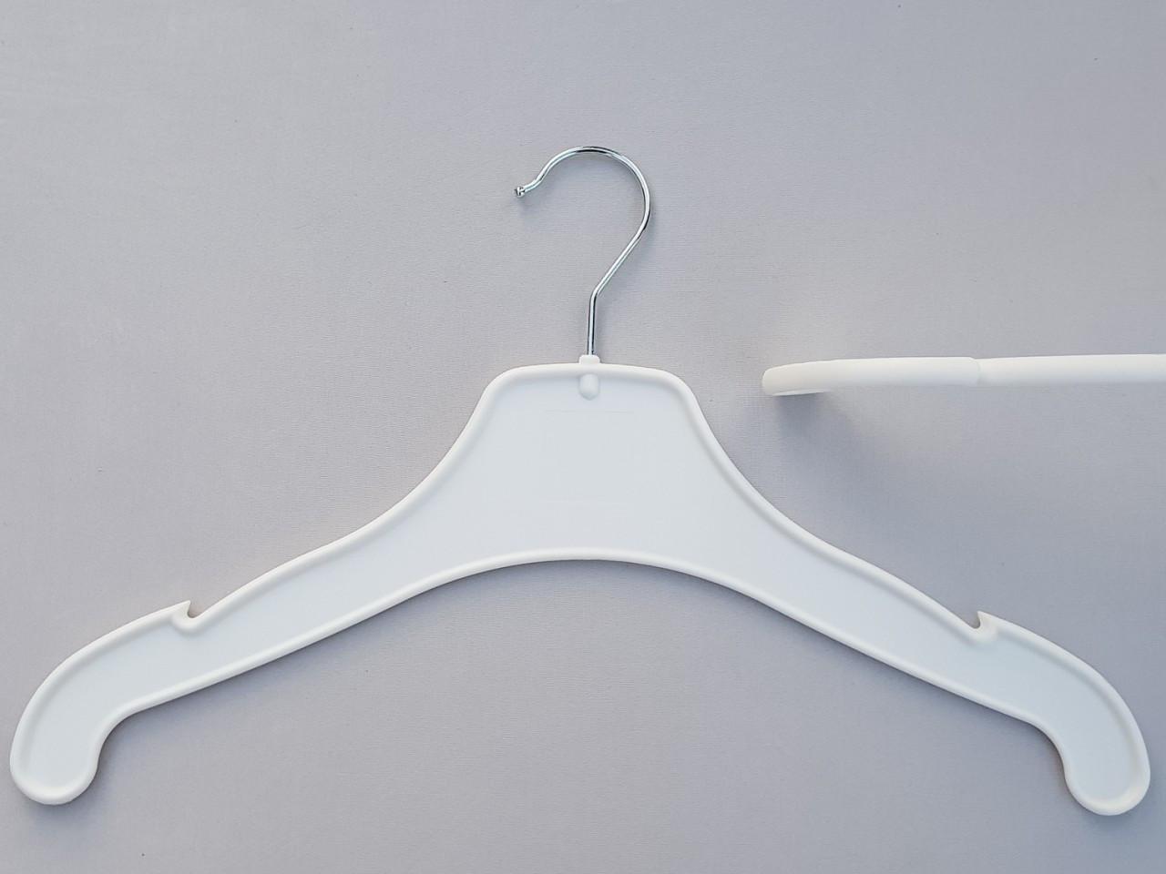 Длина 42 см. Плечики вешалки пластмассовые V-VK42 белого цвета
