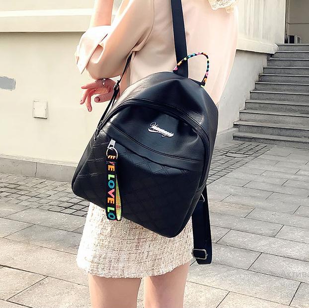Рюкзак женский чёрный PU с надписями Love