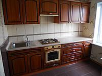 Кухня с фасадом из шпона