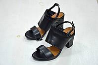 Черные кожаные босоножки Vogue к.-811