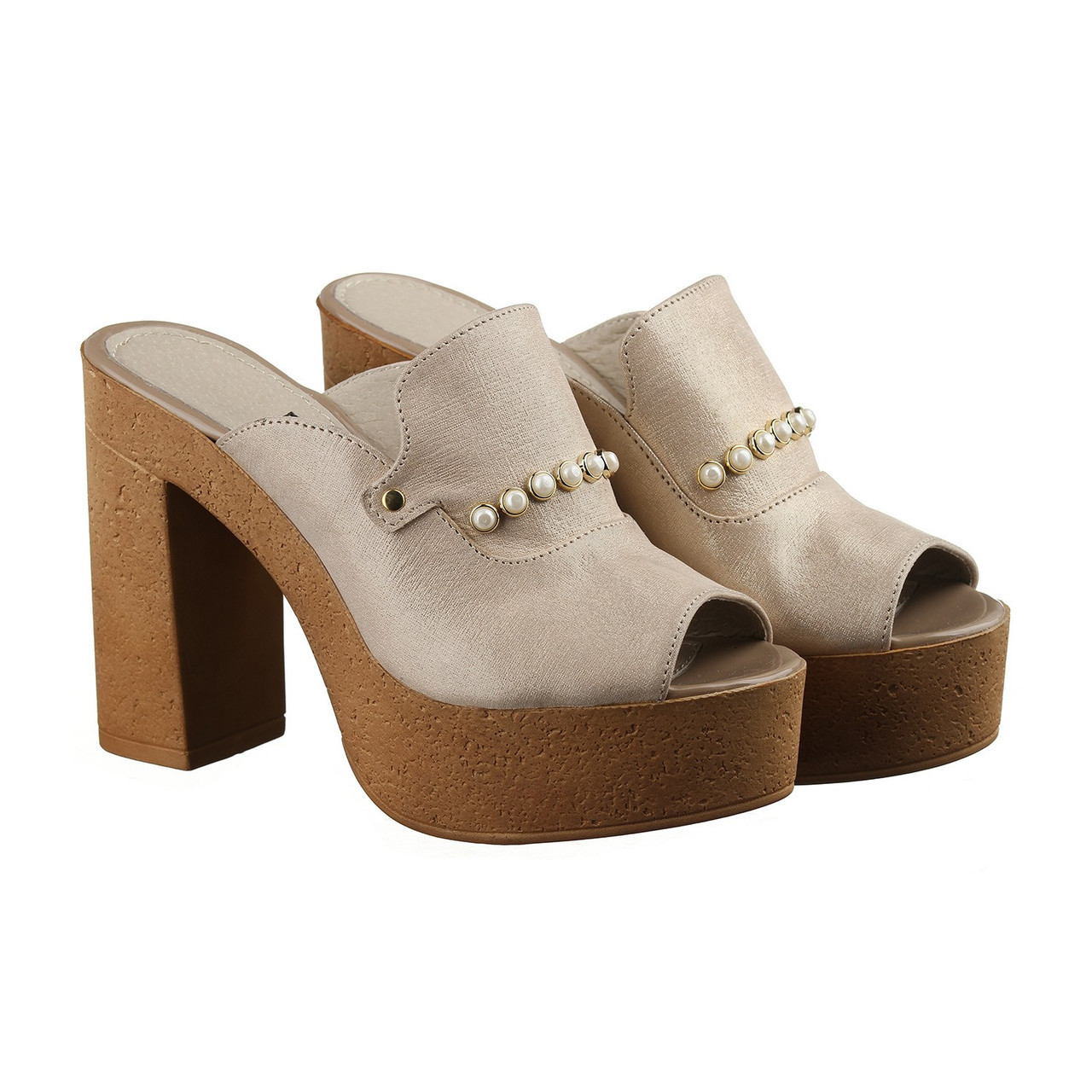 VM-Villomi Бежевые босоножки на каблуке