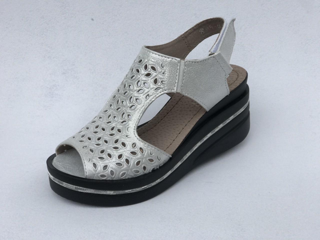 Женские кожаные босоножки на платформе   36-41 серебро