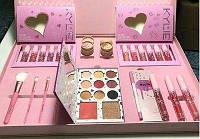Набор декоративной косметики розовый Kylie Jenner реплика