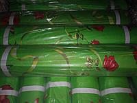 Троянди на салатовому
