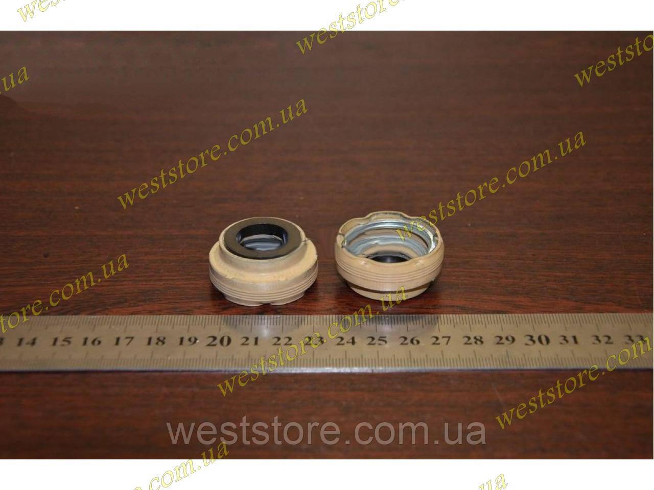 Сальник водяного насоса,помпы Ваз 2101-2107 2121 нива 2108, Заз 1102,1103 таврия Сенс нового образца