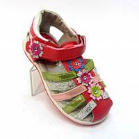 Модные и красивые босоножки для девочек