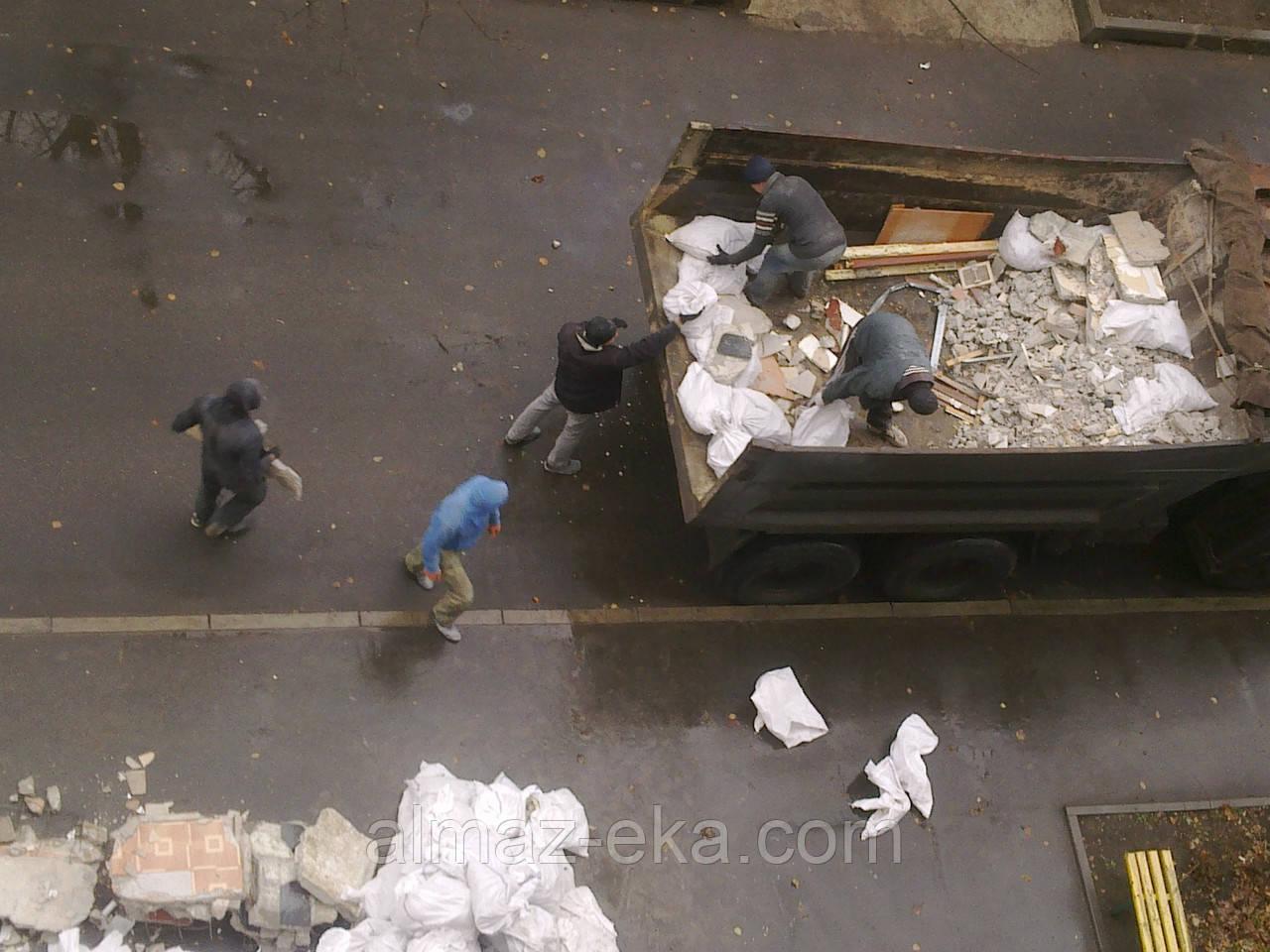 Демонтаж сантехкабины с вывозом Харьков
