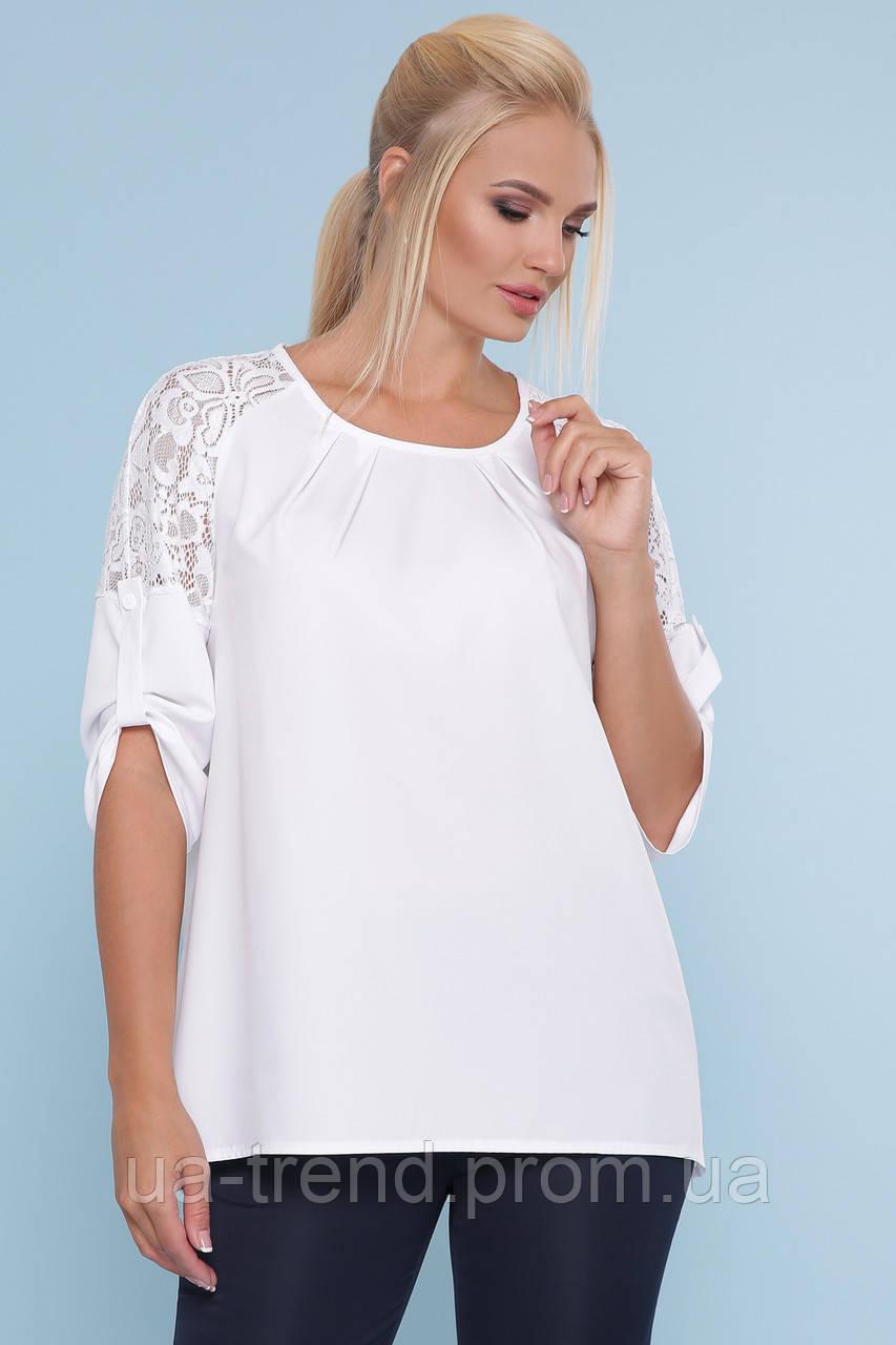 Блуза белого цвета с гипюром