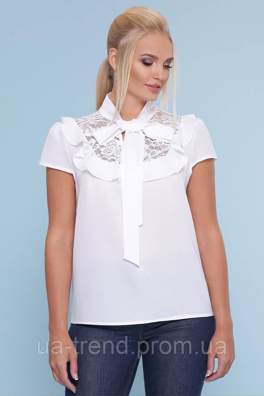 Белая блузка с бантом батал