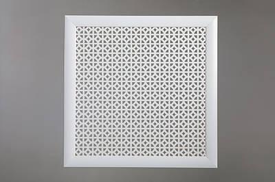 """Решетка на чугунную батарею """"Стандарт"""", 68 см х 68 см, цвет белый"""