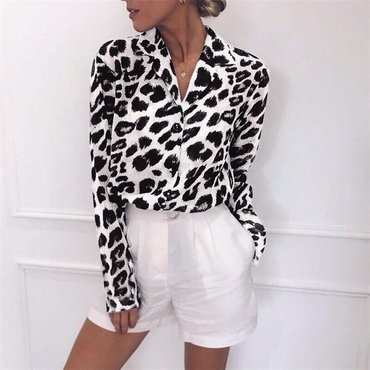 Женская рубашка с принтом черно-белый леопард 6813233