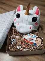Подарочный набор из пижамы кигуруми единорог с шоколадом киндер и киндер-сюрпризом, фото 1