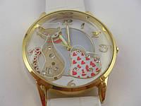 """Часы женские наручные """"Кот""""  золото с белым"""