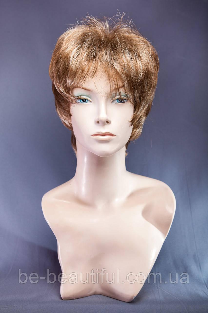 Короткие парики №13.Цвет мелирование светло-русый с карамелью