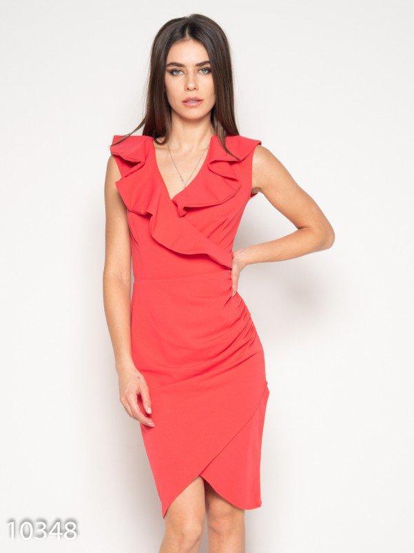 Коралловое платье-футляр с запахом и рюшами 10348