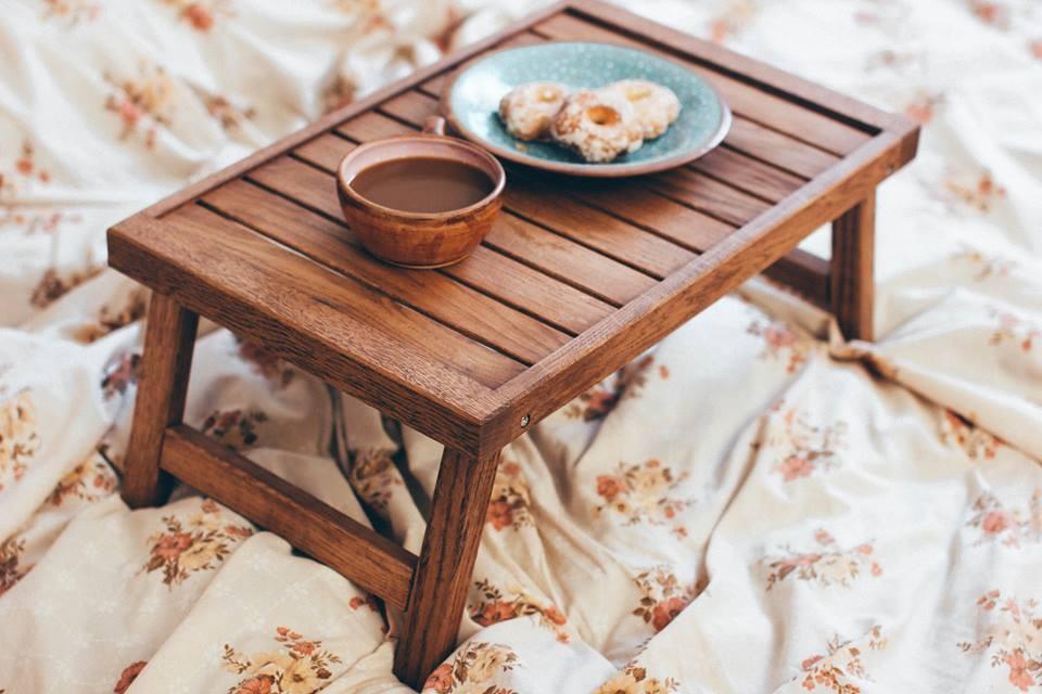 Столик для завтрака в постель из дуба Венеция
