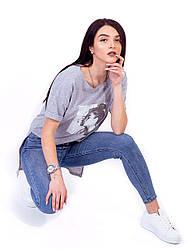 Модная свободная футболка