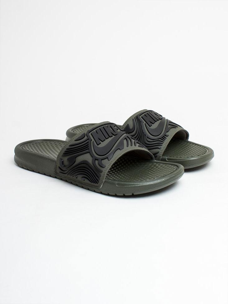 Тапочки мужские спортивные Nike Benassi JDI SE AJ6745-300 Зеленый