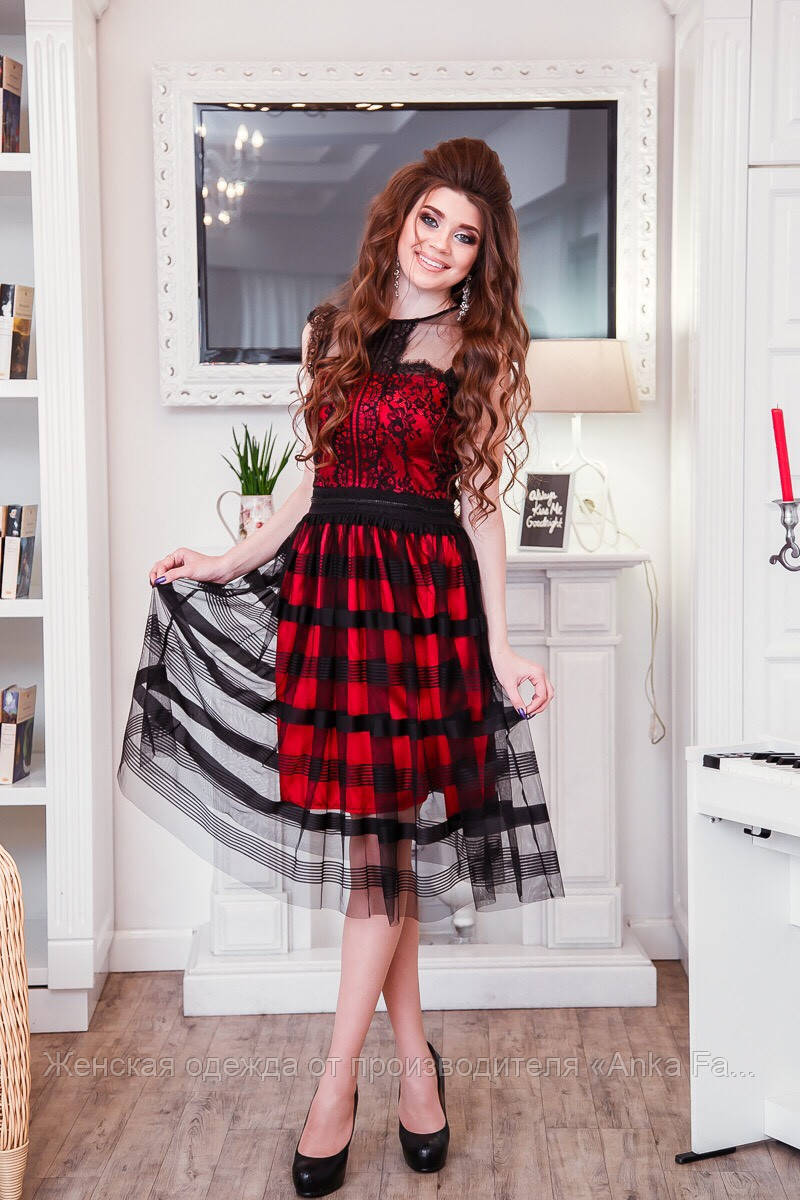 Модное платье с сеткой