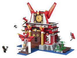 Детский конструктор PLAYTIVE Ninja Burg, 911 частей.