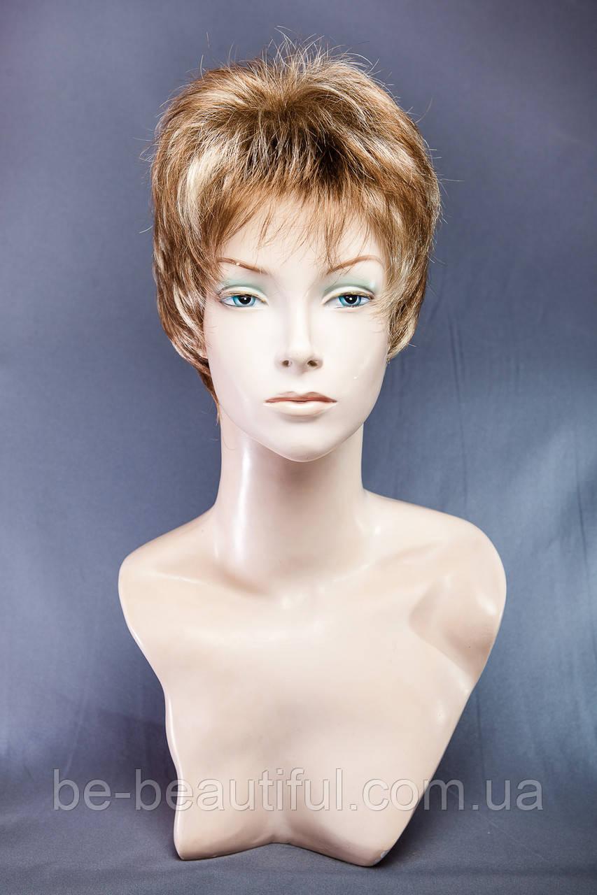 Короткие парики №6,цвет мелирование светло-русый с карамелью