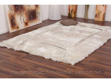 Купить ковры 2.5х3.5 со скидкой,ковер шегги дизайнерский белоснежный с вставками кожи