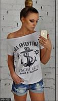 Летняя женская футболка модная короткая с надписью впереди вискоза