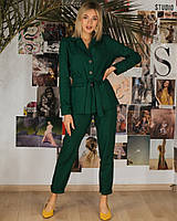 Зеленый брючный костюм льняной