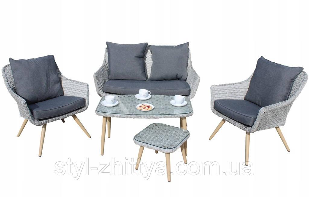 Стильний набір меблів в скандинавському стилі з штучного ротангу