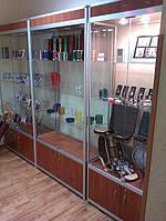 Торговые витрины с каркасом из алюминия