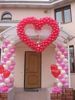 Сердца из воздушных шаров – идеальное оформление свадьбы.