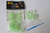 100 штук бледно зеленых резиночек