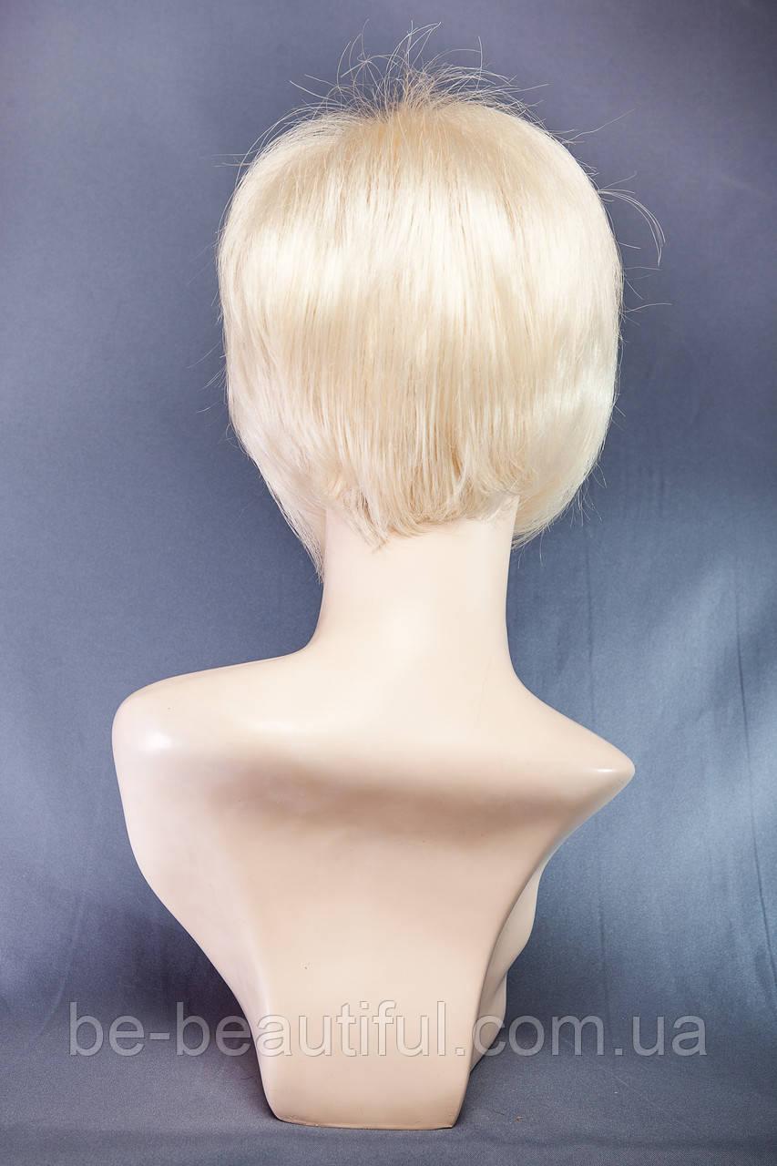 Парик пышный №7,цвет классический блонд