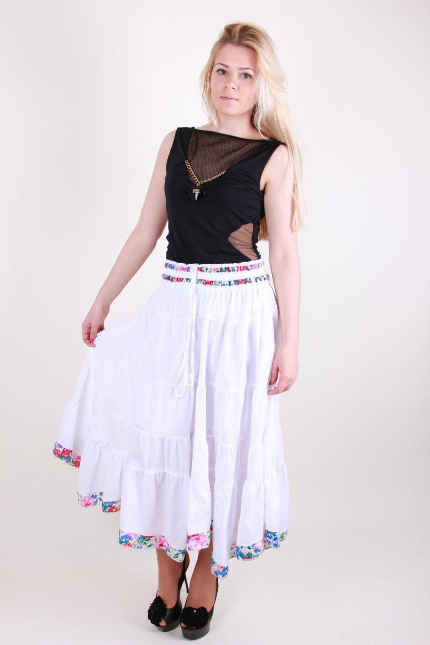 Яркая летняя длинная юбка модного кроя из натуральной ткани