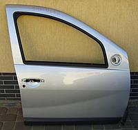 Дверька права  08-12 Sandero Stepway Dacia Renault Сандеро Дачия