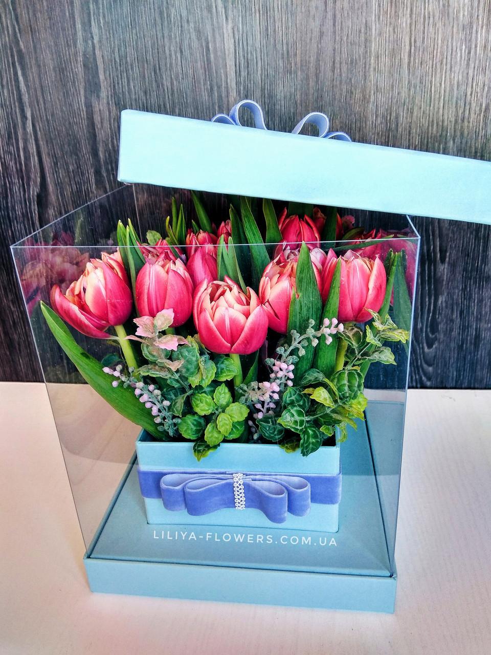 """Букет 19 тюльпанов в коробке """"Пушистые тюльпаны"""""""