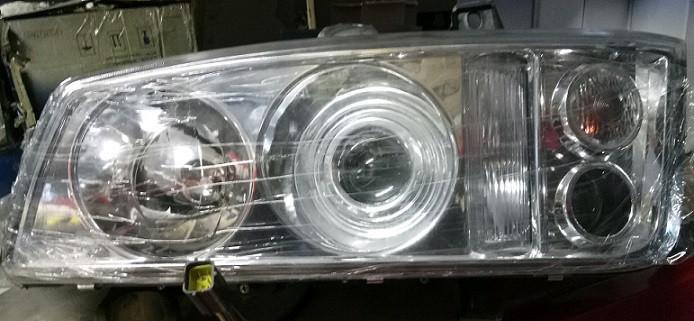 Фара передняя правая / левая (линза) FAW 3252 ФАВ