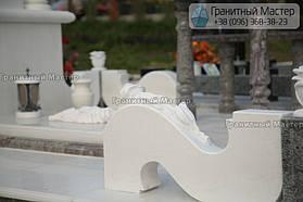 Памятник женщине из белого мрамора в Киеве, Совское кладбище 8