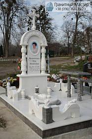 Памятник женщине из белого мрамора в Киеве, Совское кладбище 1