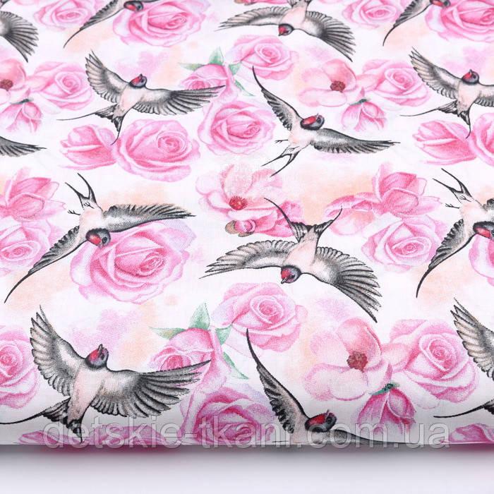 """Ткань хлопковая """"Ласточки и розы"""" розовые на белом (№2216)"""