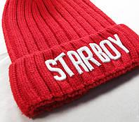 Вышивка на вязаной шапке