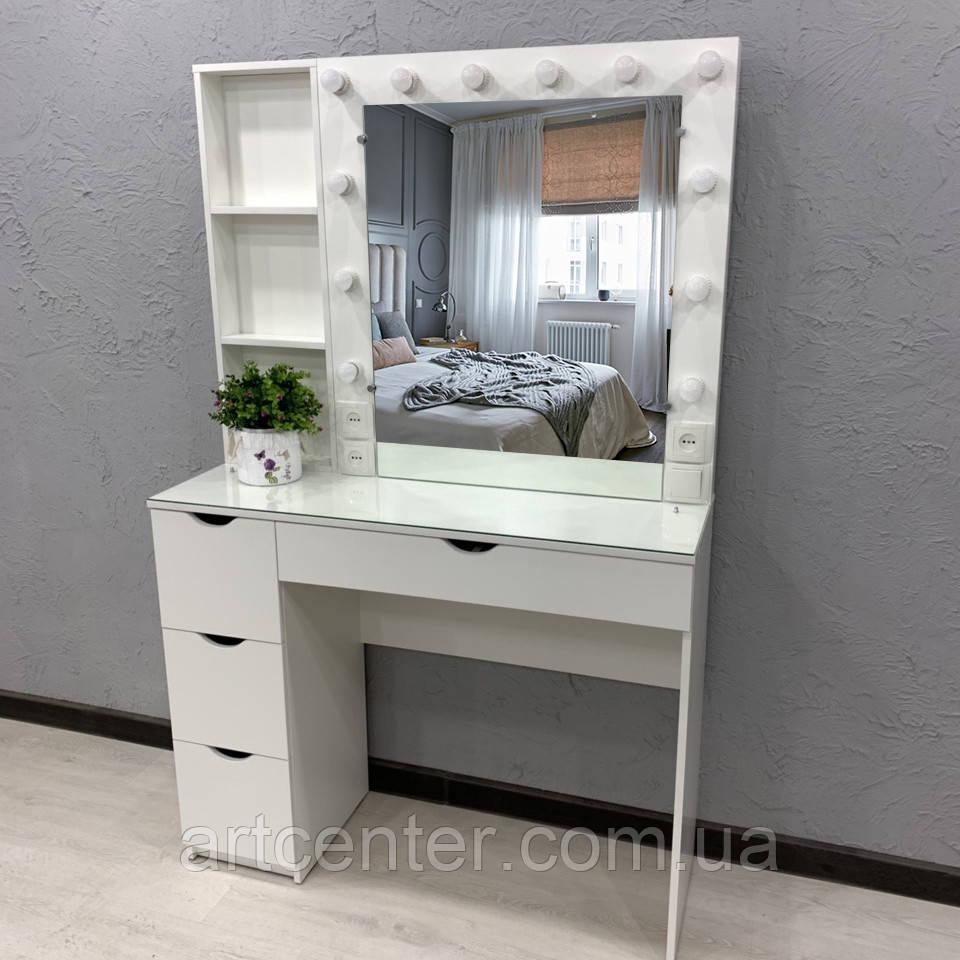 Туалетный столик с подсветкой, полочками у зеркала, выдвижными ящиками и стеклом на столешнице