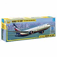 Пассажирский авиалайнер Боинг 767-300, фото 1