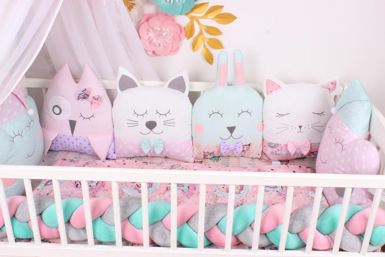 Комплект в кроватку с игрушками розово-мятный