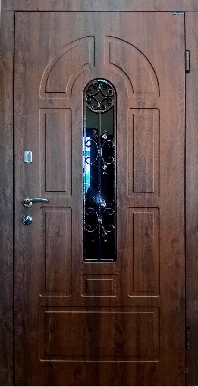 Уличные входные двери Арка 4 винорит, стекло, ковка