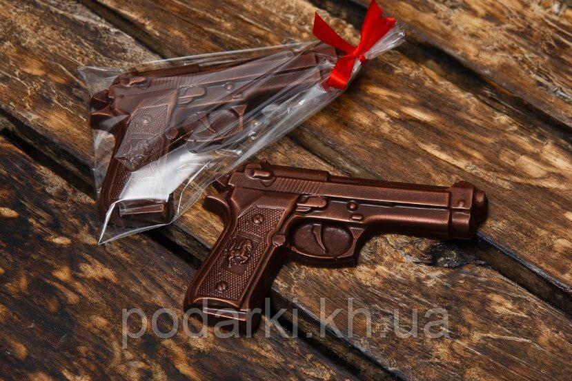 Шоколадный пистолет. Шоколадный подарок для мужа