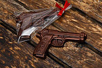 Шоколадный пистолет в подарок ребенку