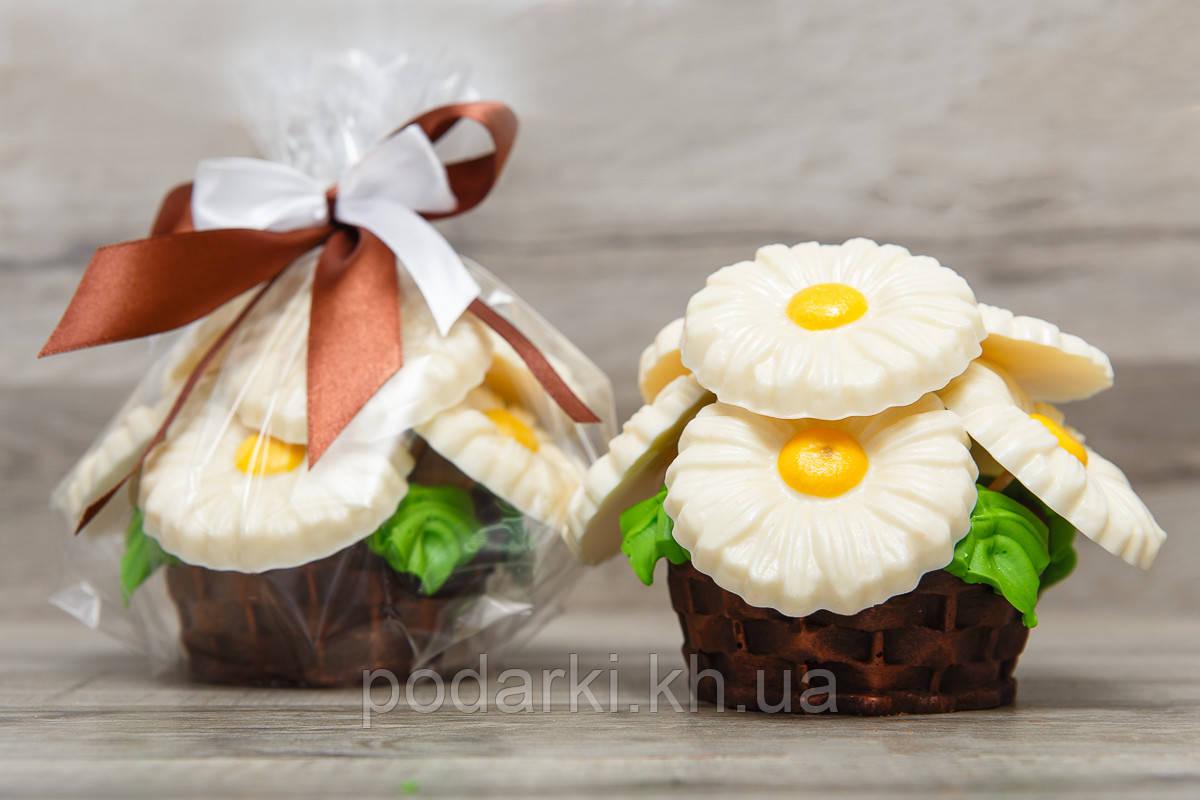 """Шоколадная корзина """"Ромашки"""". Шоколадные цветы. Оригинальный подарок женщине."""